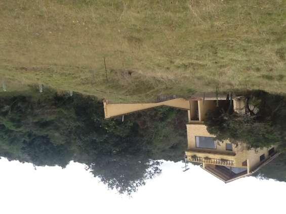 Casa campestre en laguna del sisga